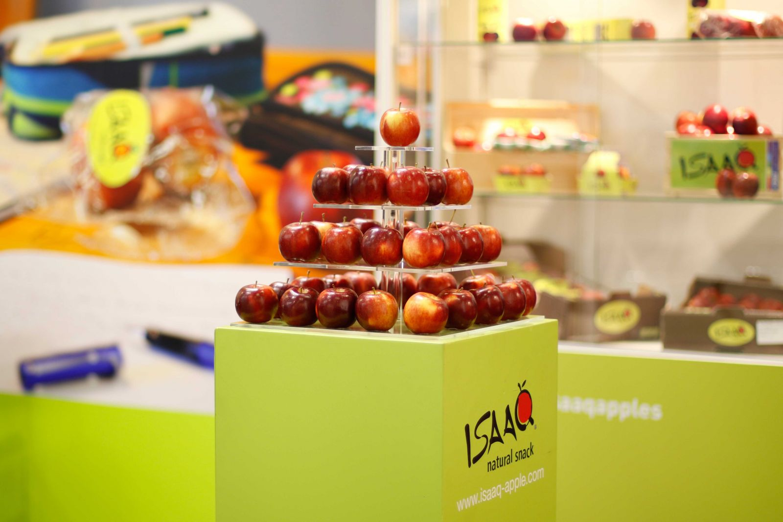 ISAAQ apples display